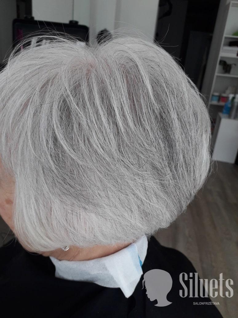 Женские стрижки волос